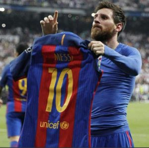 CONGRATS! Messi Celebrates 20 Years In Barcelona